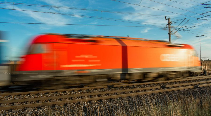 locomotive-3677099_1920